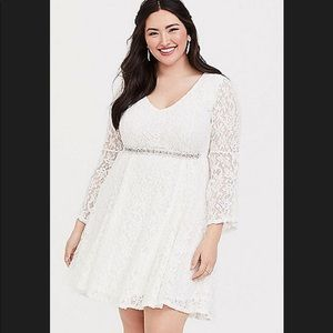 Torrid White Lace Dress with belt size 2X